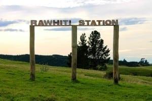 rawhitistationsign2